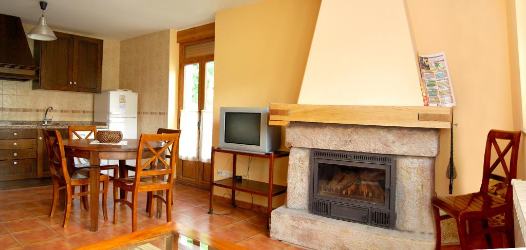 las-verdes-casa-rural-babia_0002_cocina-independiente